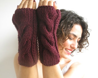 Burgundy Cable Knit Chunky Gloves