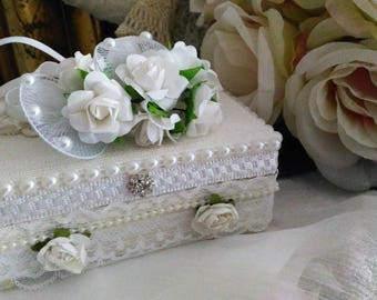 Wedding nice box, box ring bearer white lace and pearls, very shabby chic