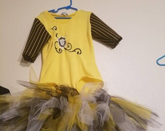 Girls black and yellow tutu outfit