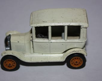 Vintage Efsi 1919 T-Ford White Holland 1:64