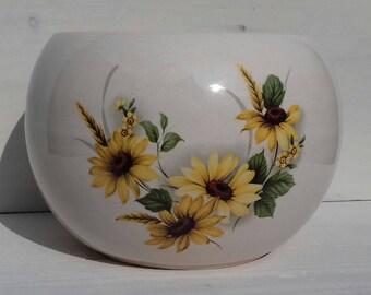 Lovely 1950/60's planter/bowl/vase with lovely sunflower/rubeckia or dahlia  design.