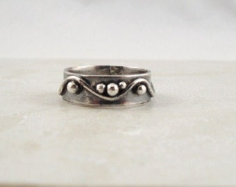 Sterling silver band ring.  Dots and waves.  Pebbles. Fidget ring. Unisex. Medieval. MADE TO ORDER.