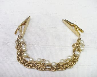 Vintage Pearl and Gold Chain Sweater Clip - gold tone metal - faux pearls  - formal vintage - vintage gift  - present - Formal event clip