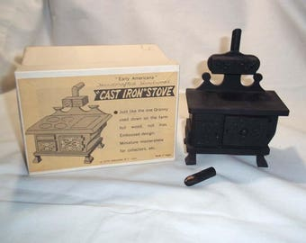 Vintage Miniature SHACKMAN Handcrafted Hardwood Cook Stove for Doll House / Doll House Collector / with Original Box