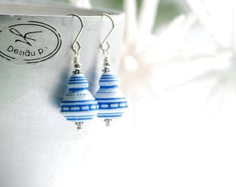 Blue and White Earrings, Vintage Lucite Earrings, Nautical Jewelry, Beachy Earrings, Seashell Motif, Summer Jewelry, Sailor Earrings