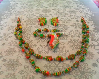 set (necklace, bracelet, ring and earrings) original, unique (red, green and yellow)