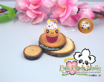 Cupcake Kawaii con Microperlas. Kawaii cupcake with Microbeads. Charm. Necklace. Pendant. Handmade. Miniature. Food Jewels. Colgante.