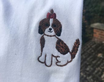 Pet portrait. Hand embroidered t-shirt. Custom t-shirt. Embroidery pet. Pet gift. Custom portrait. Custom pet portrait. Dog gift Mothers day
