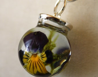 Pansy and moss necklace, pansy glass necklace, pansy pendant, glass and resin necklace, botanical necklace, moss pendant, nature necklace