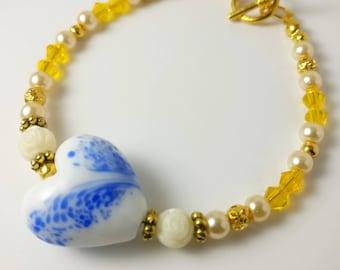 Heart bracelet, beaded bracelet, crystal beaded bracelet, crystal bracelet, pearl bracelet, yellow bracelet, cream bracelet, pretty bracelet