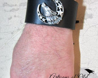 Howling Wolf Cuff, Black Leather Cuff, Leather Bracelet, Crescent Cuff, Brown Leather