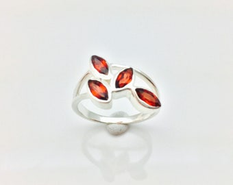 Garnet Ring // 925 Sterling Silver // Multi- Stone Marquise Setting // Natural Garnet Ring // Size 7