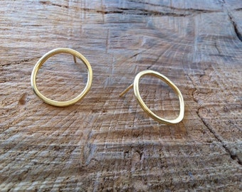 Gold Circle Earrings, Modern Circle Earrings,  Circle Post Earrings, Modern Gold Earrings, Hammered Earrings, Stud Circle Earrings,