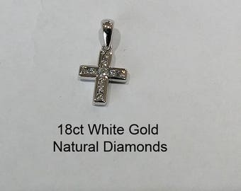 18ct 18K 750 White Gold Natural Round Brilliant Cut Diamond Crucifix Cross Pendant - DS2