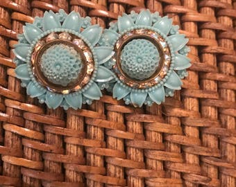 Turquoise Flower Earrings - Clip-On Earrings - Vintage Jewelry - Costume Jewelry