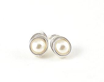 Stud pearl earrings - Bridesmaid earrings- Pearl earrings - White pearl earrings - silver pearl earrings
