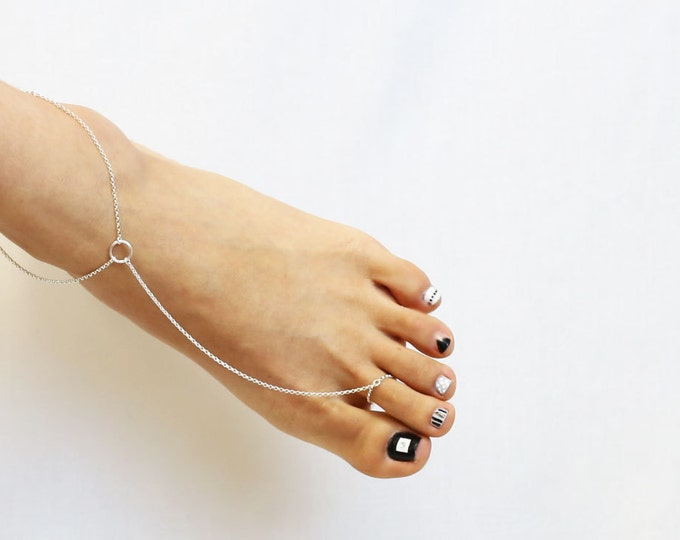 Halo Slave Anklet - toe chain anklet . dainty chain anklet . Sterling silver . Gold filled . foot chain .  EA004