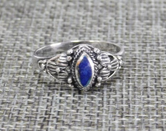 Southwest 925 Sterling Silver Azurite Inlay Dainty Vintage Ladies Ring Size 8