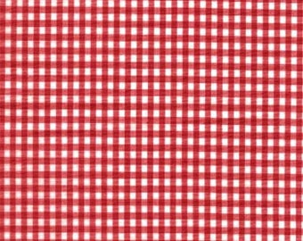 White and Red Gingham Cotton Fabric FQ - 1/8 inch check