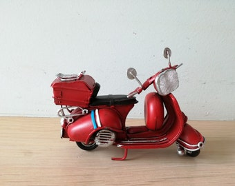 Red Vespa miniature, vintage, collectible bike, alloy red scooter miniature, red silver blue, Vespa, favours Vespa scooter,