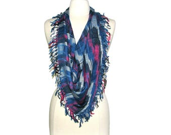 Vintage 70s 80s GLENTEX Blue Pink & White Abstract Ikat Knit Square Fringed Scarf
