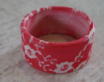 Wooden Bangle painted ash., red flower pattern. Straight shape.