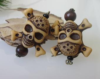 Pirate Skull Dangle Earrings, Halloween Earrings, Halloween Jewelry, Pirate Jewelry, Skull and Crossbones, Holiday Earrings
