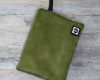 Clutch bag, woven clutch bag, fabric clutch bag, female clutch bag, green clutch bag, zippered clutch bag, wrist clutch