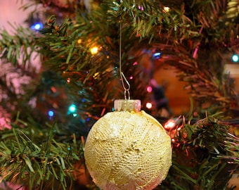 Gold and White Painted Lace - Plastic Bulb Ornament