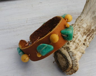WILD WEST stone and leather cuff bracelet