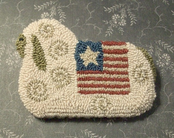 Primitive Needle Punch Pin Americana Sheep With Flag