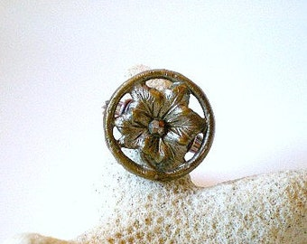 Vintage Flower Button Ring, Framed Flower Ring, Wire Wrapped Flower Ring
