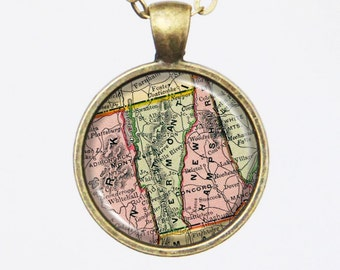 Vermont State Necklace, Vintage Pendant Necklace- Antique Map of Vermont, Old Map Penant Series