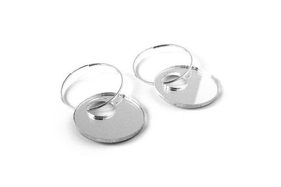 Hoop earrings - concentric pattern - silver mirror - statement earrings - graphic jewelry - minimalist jewellery - lasercutting - acrylic