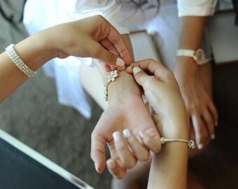 Wedding Bracelet, Bridal Bracelet, Pearl Bracelet, Bridal Jewelry, Wedding Pearl Bracelet, Swarovski Bracelet, Gold Crystal Bracelet, CZ