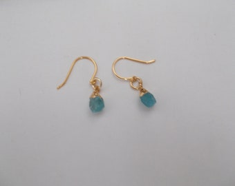 earrings aquamarin raw stones with earhooks gold color pinterest