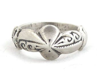 Moroccan Solid Silver Berber handcrafted flower ring, size 8. Berber jewelry. Free shipping worldwide!