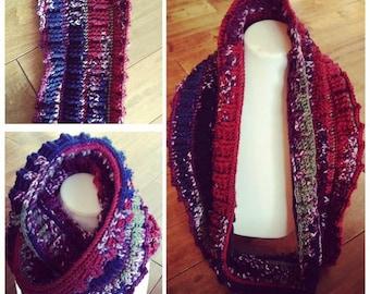 Winter infinity scarf in crochet