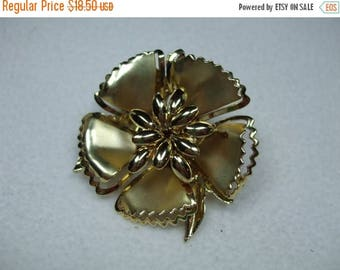 SALE 30% OFF Vintage Large Goldtone  Flower Brooch-Riveted