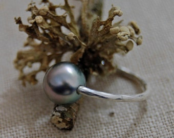 Alaya - Tahitian pearl ring, minimalist pearl ring, blue pearl ring, pearl promise ring, pearl stacking ring, pearl jewelry, gift for her