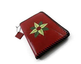 Passport holder, leather passport holder, red passport holder, compass passport holder, red leather, cuirsetcompagnie