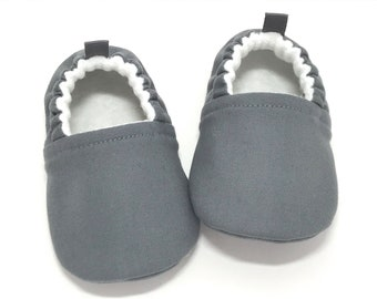 Gray Baby Shoes, Gender Neutral Baby Gift, Baby shower gift, Toddler slippers, Grey baby booties, soft sole baby shoes, baby moccasins