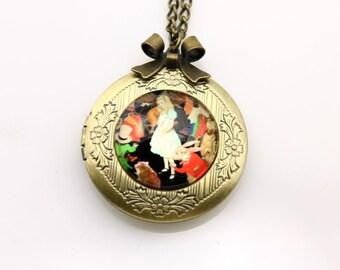 Alice in wonderland Necklace, Alice in wonderland locket, 2020m