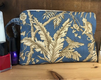 Small clutch cosmetic bag