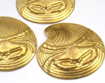 3 pcs brass crab on the half shell stampings, vintage sea life 36mm