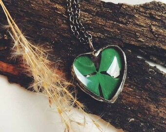 Heart with clover pendant, heart pendant, clover pendant, four leaf clover pendant, four leaf clover, celtic pendant, real clover keychain
