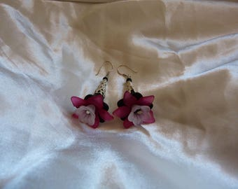 Black and Fuchsia lily flowers earrings
