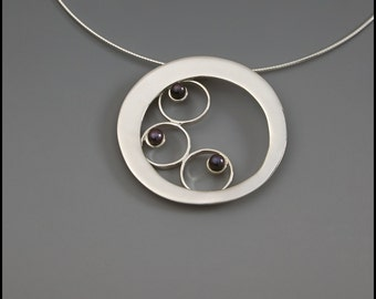 Big Circle with a Cascade of Freshwater Pearls