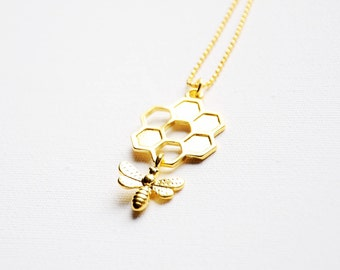 Bee necklace, Honeycomb necklace, Honey bee jewelry, Honey comb, Beekeeping, Gold honey, Insect necklace, Anxiety necklace, Gardener gift