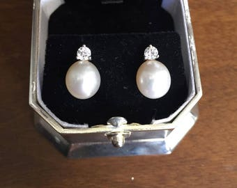 Genuine Cultured Pearl and Austrian Crystal Earrings